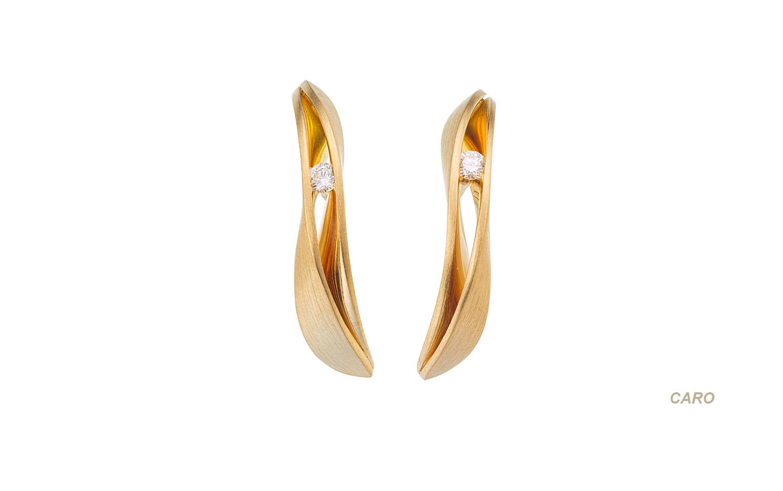 Gouden oorknoppen met brijant
