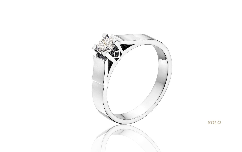 14 kraat witgouden Klassieke diamant ring met een steen van 0,32 crt vvs/tw