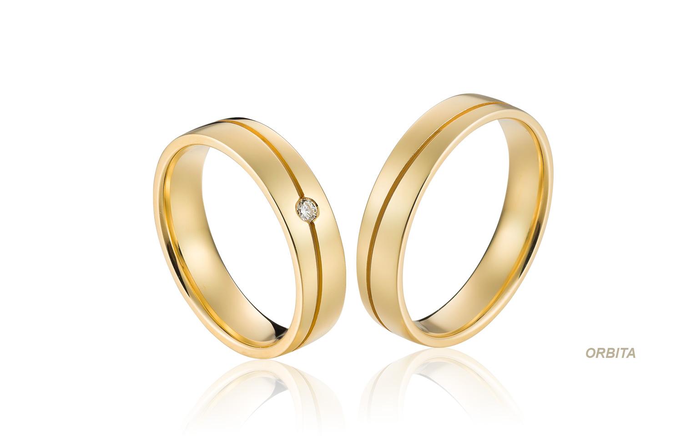 mooie trouwringen van goud in een klassieke stijl