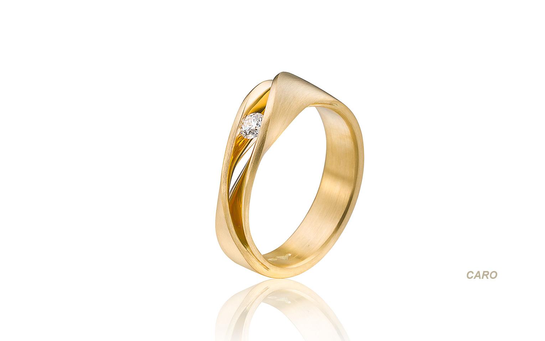 Verlovingsring van 14 krt goud met een dianamt van 0,11 crt