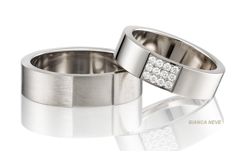 14 krt witgouden trouwringen met 12 diamanten